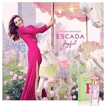 Miranda Kerr (y su sonrisa) presenta Joyful, de Escada