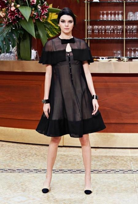 Chanel Fall Winter 2015 Kendall 2