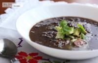 Sopa de frijol negro y vegetales. Receta