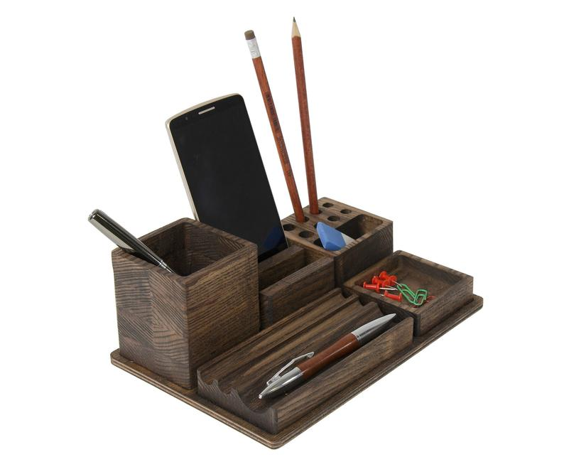 Organizador de madera cúbico para escritorio