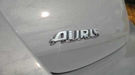 Toyota Auris Hybrid 13