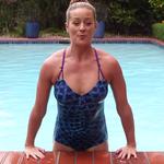 La piscina no es solo para nadar: ponte en forma con un sencillo circuito para hacer en el agua