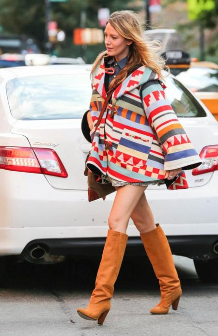 Blake Lively Embarazo poncho color