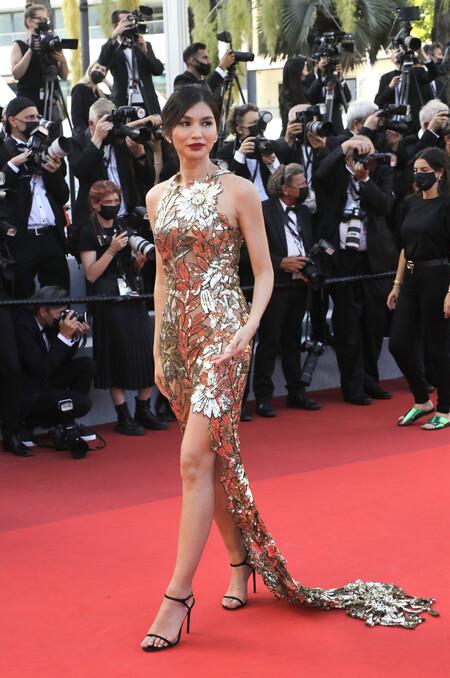 Gemma Chan alfombra roja cannes 2021