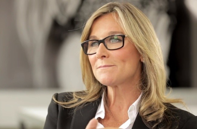 Angela Ahrendts se despide oficialmente de Apple