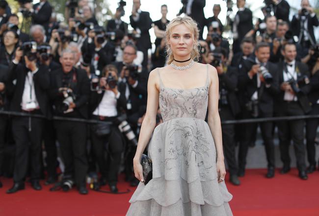 Cannes nos sigue conquistando con su alfombra roja. Repasamos los mejores looks de la noche
