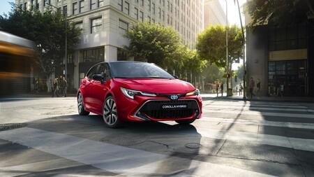 Toyota Corolla Hatchback 2019 Gallery 03 Full Tcm 1014 1553818