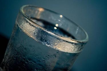 Al menos dos litros de agua diarios durante el embarazo