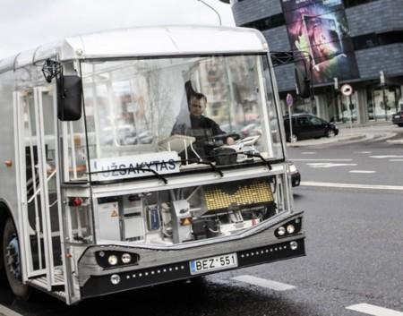 Dancer Bus 1