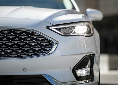 Ford Fusion 2019 3