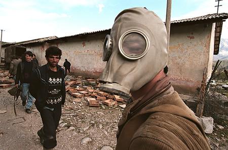 De la estafa piramidal a la guerra civil: cuando Albania sucumbió a la anarquía por los esquemas Ponzi