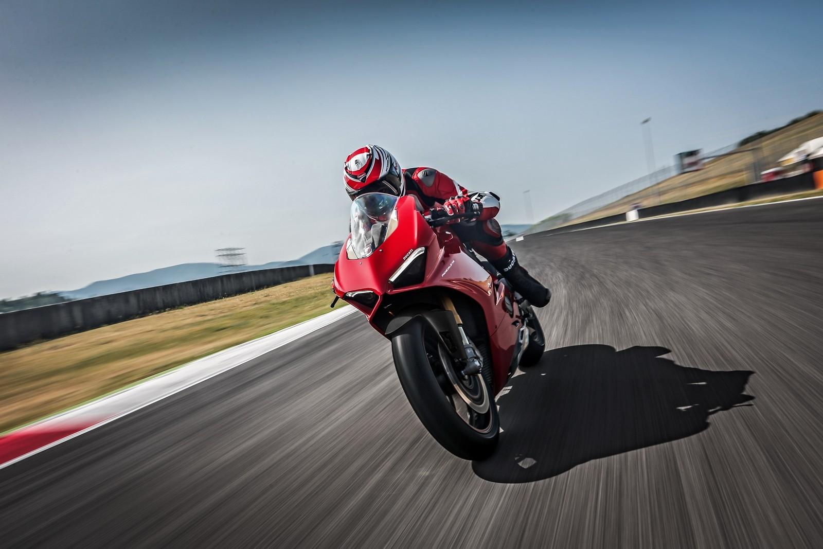 Foto de Ducati Panigale V4 2018 (40/52)