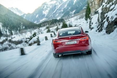 Tesla Motors despide a su jefe en Alemania para tomar ejemplo de Suiza