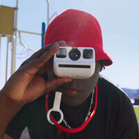 """Polaroid Go, presentada """"la cámara instantánea analógica más pequeña del mundo"""""""