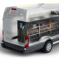 Esta Ford Transit es una 'electrolinera' móvil con una enorme batería de 192 kWh para no quedarse tirado con un coche eléctrico