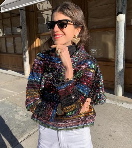 Las prendas a rayas multicolor invaden la calle y así las llevan las instagrammers