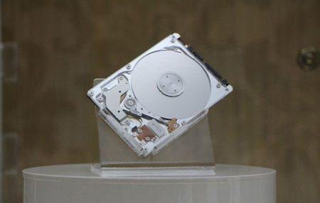 A*STAR presenta un nuevo disco duro híbrido de 5 milímetros