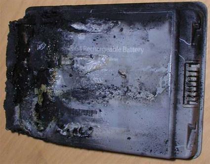 Apple retira 1.8 millones de baterías