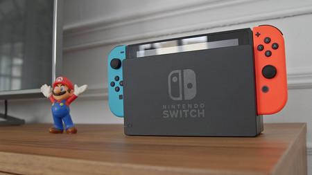 Consola portátil Nintendo Switch en oferta hoy en Plaza: 30 euros de descuento y envío gratis (y rápido) desde España