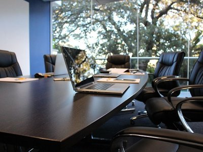 Reuniones de comité de dirección productivas
