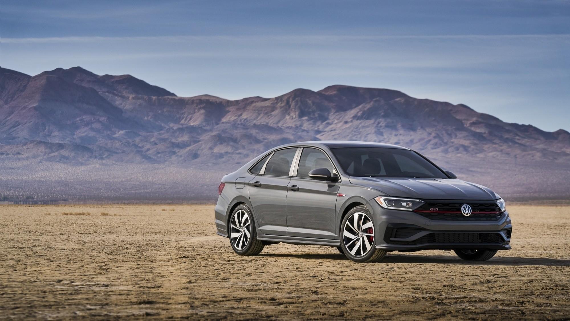 Foto de Volkswagen Jetta GLI 2020 (10/27)