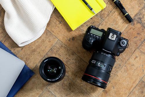 Canon EOS 6D MarK II, Nikon D5600, Fujifilm X-E3 y más cámaras, objetivos y accesorios en oferta: Llega Cazando Gangas