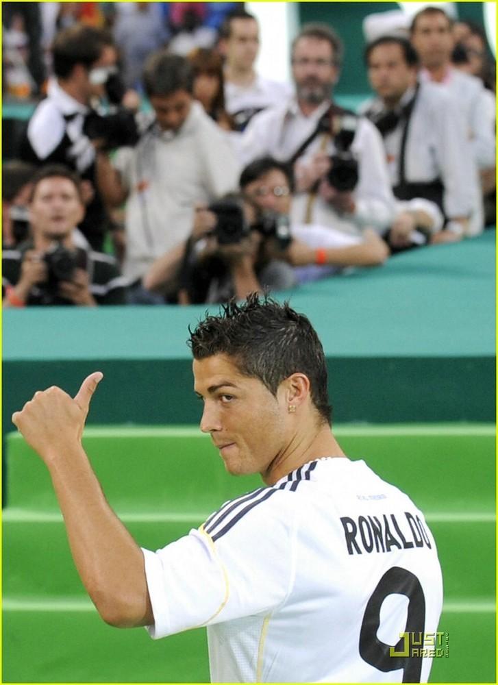 Foto de Presentación de Cristiano Ronaldo en el Real Madrid (3/6)