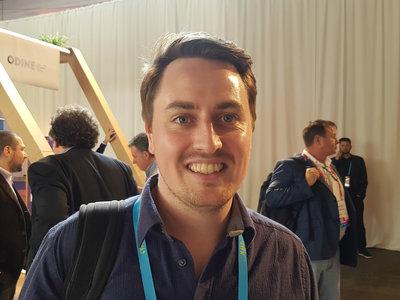 """""""Ya no es suficiente con que un producto sea atractivo para que llame la atención"""". Entrevista Joel Hughes, de Indiegogo"""