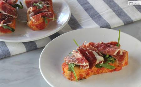 Receta de torrijas saladas de tomate y jamón ibérico