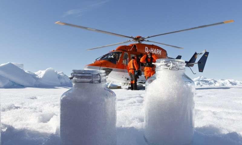 Los microplásticos no solo están en el agua y los animales, sino también empiezan a encontrarse en la nieve