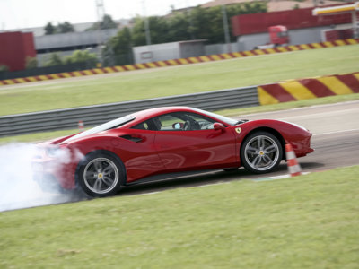International Engine of The Year 2016: Ferrari arrasa con el motor V8 3,9 litros biturbo del Ferrari 488 GTB