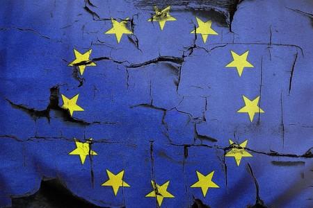 La Unión Europea propone prohibir las puertas traseras usadas para espiar a los usuarios