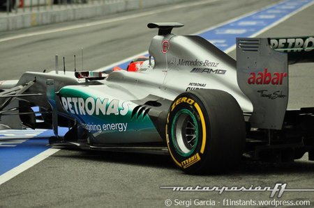 Michael Schumacher admite que no pueden luchar por ganar carreras