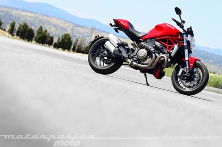 Motorpasión a dos ruedas: prueba Ducati Monster 1200 y Marc Márquez compitiendo en Moto2 y MotoGP