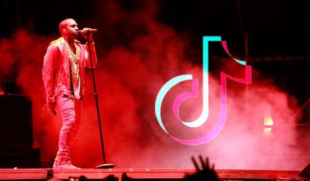 """Kanye West dice tener """"una visión"""" y pide colaboración para crear """"JesusTok"""": una versión cristiana de TikTok"""