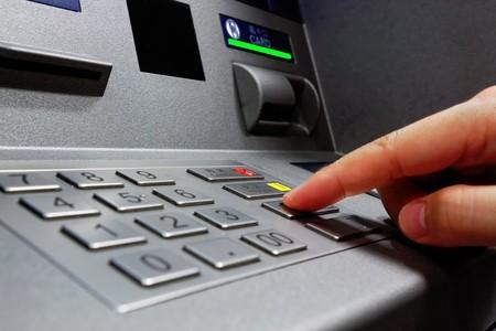 Colombianos podrán retirar dinero de los bancos gratuitamente