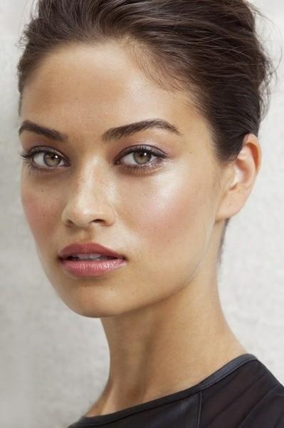 Analizamos cuatro bases de maquillaje ligeras e imprescindibles para este verano