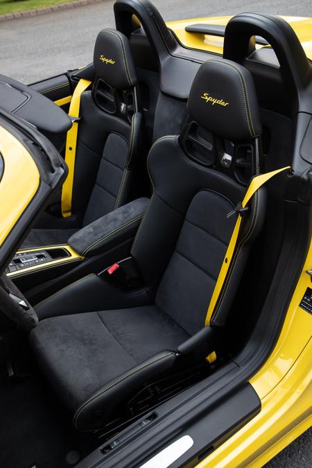 Porsche 718 Spyder asientos baquet