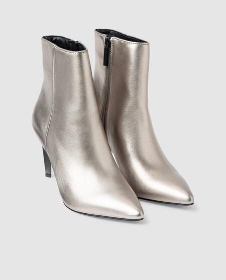 Botines De Mujer Kendall Kyllie De Piel Metalizada En Color Plata