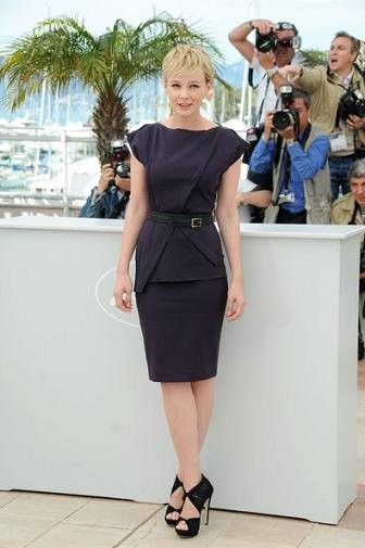 Primeros looks de Carey Mulligan en Cannes y su parecido razonable con Michelle Williams