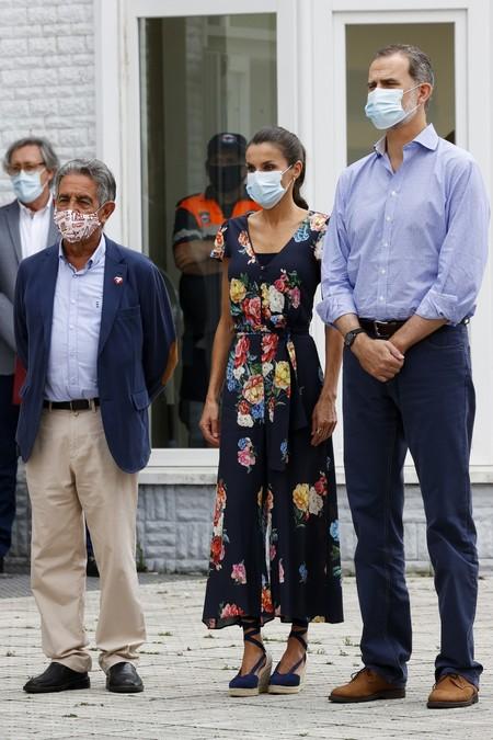 https://www.trendencias.com/moda-famosas/estampado-bandana-perfecto-para-lucir-verano-dona-letizia-ortiz-nos-demuestra-elegancia
