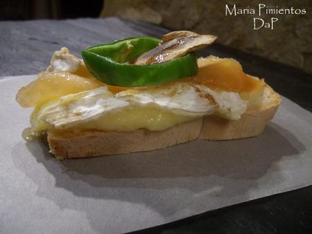 Camembert plancha con guarnición. Receta