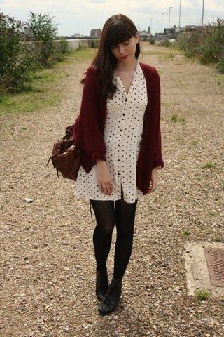 Lunares moda look calle: blanco