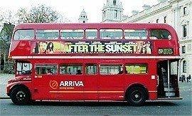 Londres despide a sus legendarios autobuses rojos