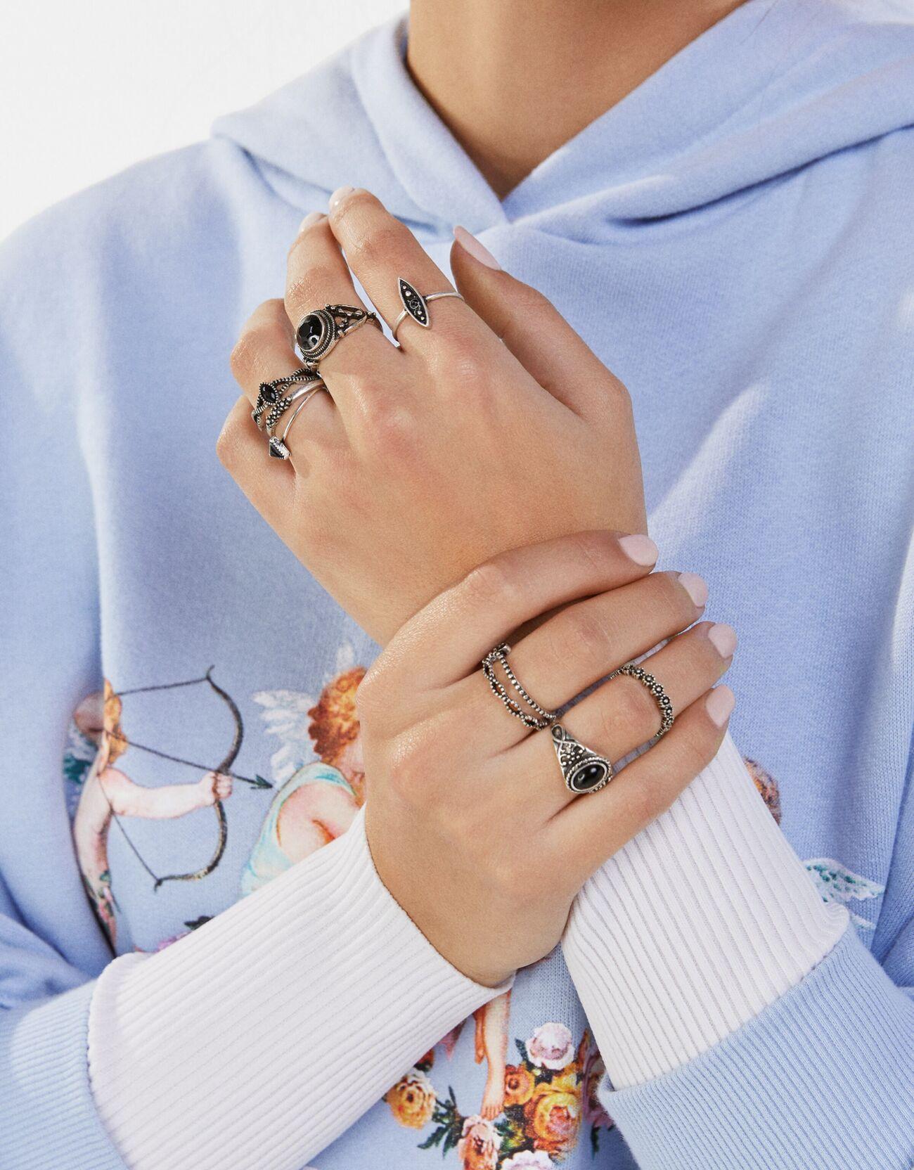 Set de ocho anillos con piedras boho