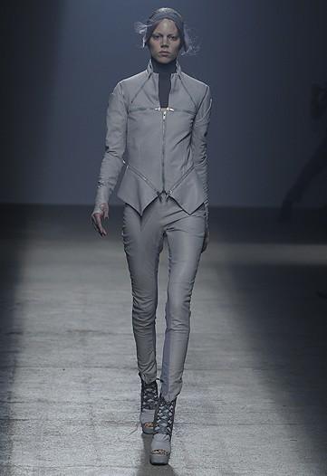 Gareth Pugh, Primavera-Verano 2010 en la Semana de la Moda de París