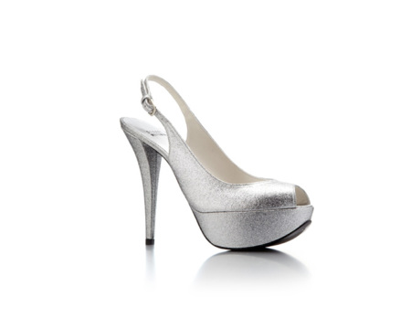Vestidos y zapatos para fiesta de matrimonio