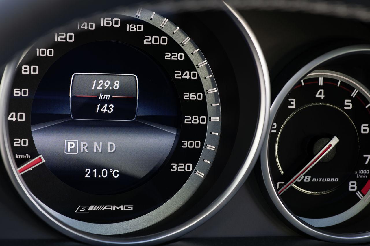 Foto de Mercedes-Benz E 63 AMG 2013 (31/31)