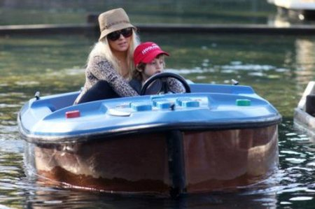 ¡Christina Aguilera y el amor de su vida pillados en Legoland!