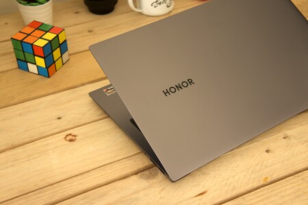 Honor Magicbook Pro Review Xataka Diseno Recurso Logo
